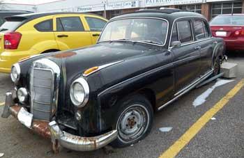 1959-Mercedes-Benz-220SE-000