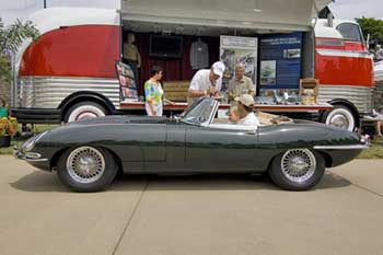 1963-Jaguar-E-Type-Roadster-000
