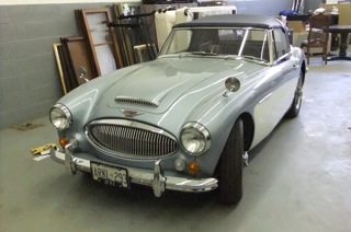 1965-Austin-Healey-3000-MKII-Phase-II-00
